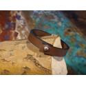 Armband van faux leer met bronzen peacehart bedeltje