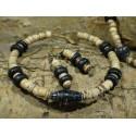 Armband van kokoskralen en beads for life