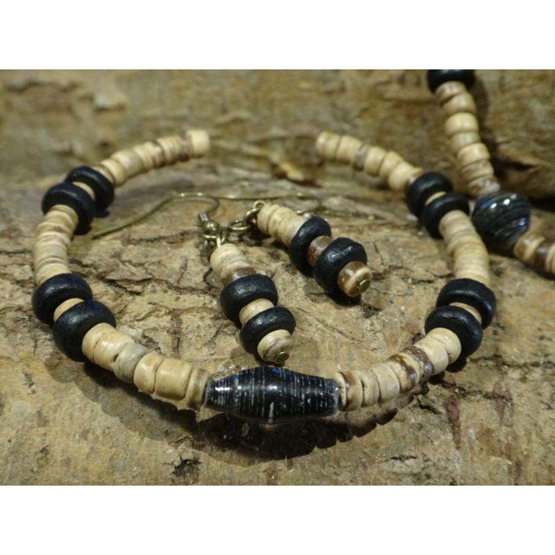 Oorhangers van kokoskralen en beads for life