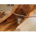 Halssieraad in bronsvariaties met half edelsteen