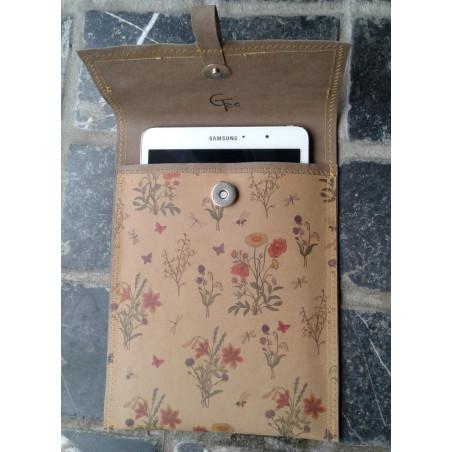 CeeTee tablethoes van papierleer