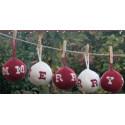 Kerstballen met letters breipatroon